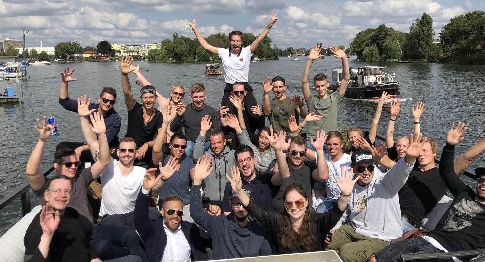 Gruppenbild_Online Trainer Lizenz OTL_Ben Sattinger und Team